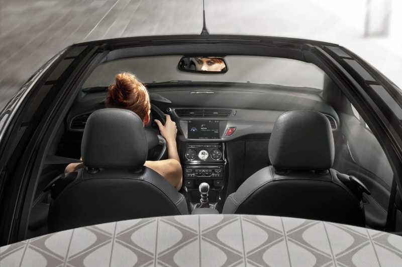 la citroen ds3 cabrio d voil e mondial automobile 2012. Black Bedroom Furniture Sets. Home Design Ideas