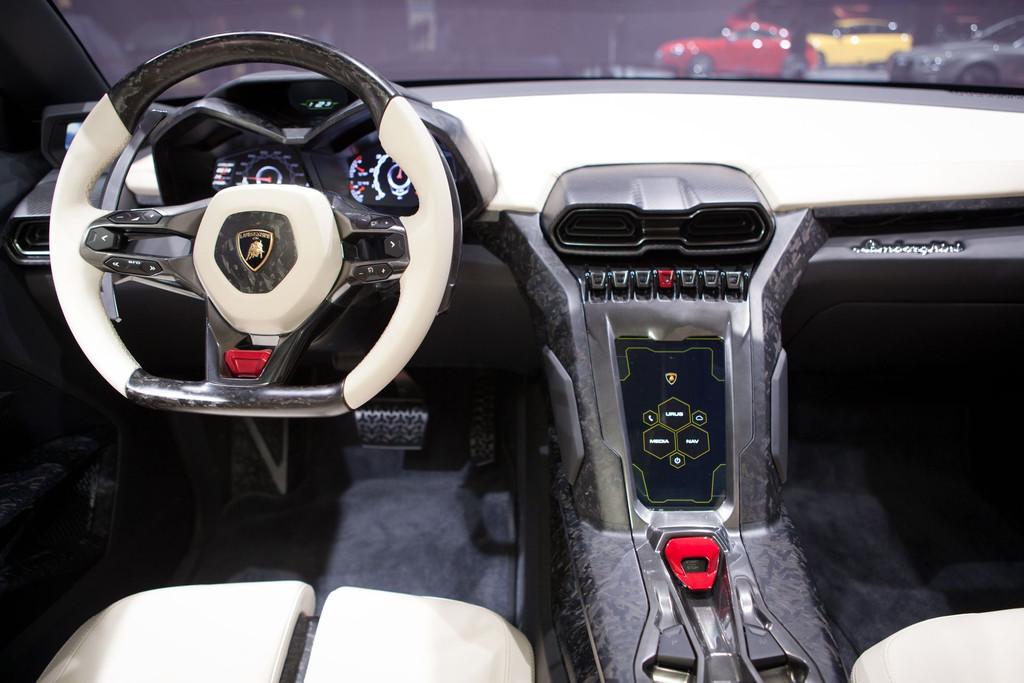Lamborghini urus suv sportive pr vue pour 2017 blog auto for Interieur lamborghini