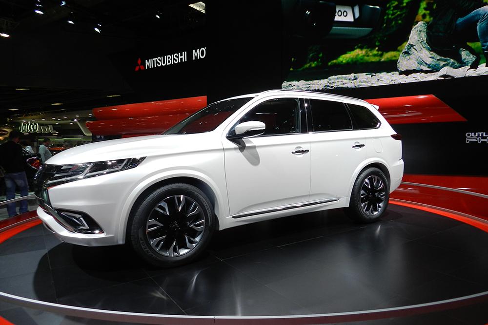 Mitsubishi concept outlander phev Mondial auto Paris 2014 (143)
