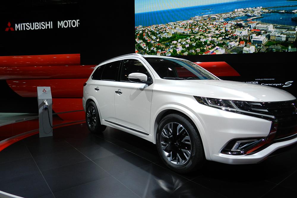 Mitsubishi concept outlander phev Mondial auto Paris 2014 (144)