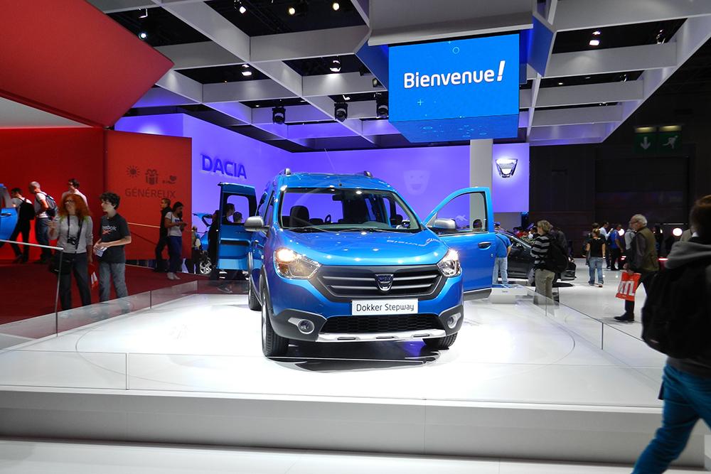 stand dacia Mondial auto Paris 2014 (41)
