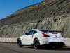 Photo de la Nissan 370Z nismo 2013 blanche vue de trois quart arriere