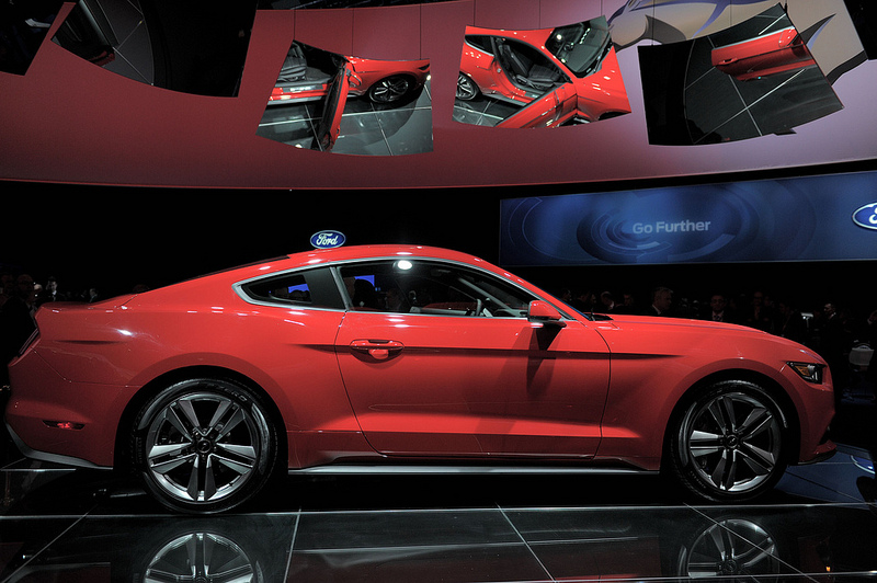 pr sentation et photos de la nouvelle ford mustang 2014. Black Bedroom Furniture Sets. Home Design Ideas