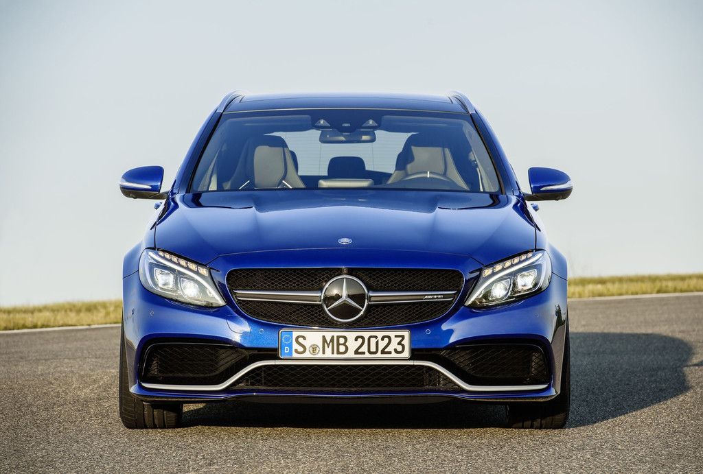 nouvelle mercedes c63 amg 2015 photos et vid o. Black Bedroom Furniture Sets. Home Design Ideas