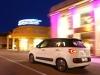 Photos de la nouvelle Fiat 500 L de trois quart dos sur route