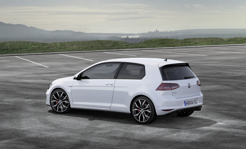 nouvelle golf 7 gti disponible en 2 motorisations blog auto. Black Bedroom Furniture Sets. Home Design Ideas
