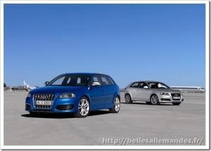 la nouvelle Audi A3 bleue et grise