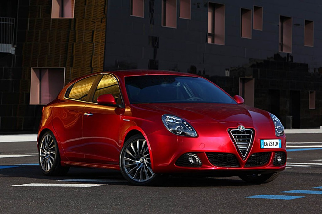 Alfa Romeo Giulietta rouge