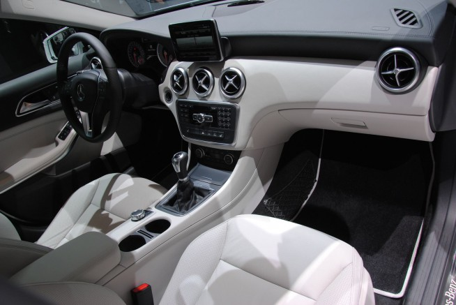 Interieur mercedes classe a blog auto s lection le for Interieur mercedes classe a