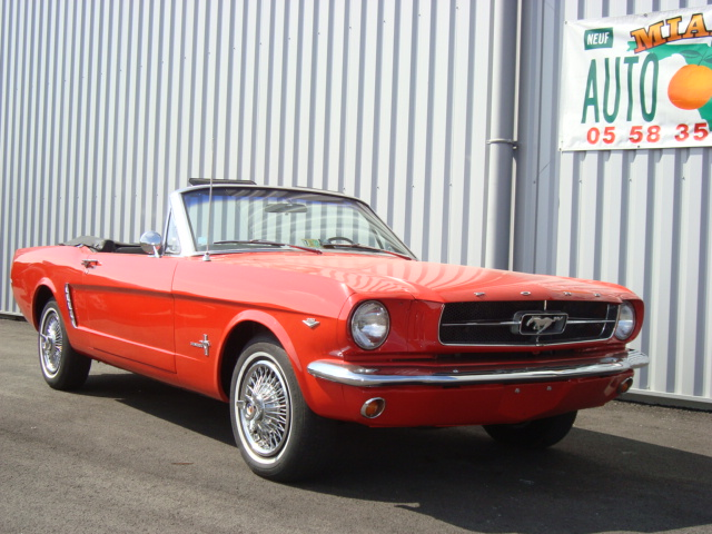photo de voiture americaine ford mustang 1964