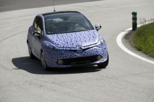 Tests sur piste de la nouvelle Renault Clio