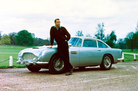 exposition voitures james bond aston martin