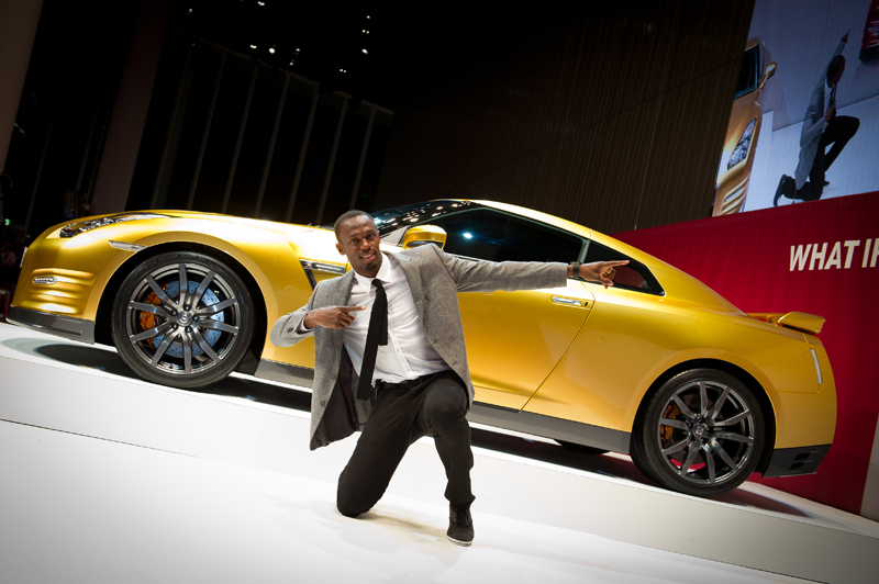 nissan et le caritatif une gt r usain bolt aux ench res et un note offert l 39 h pital necker. Black Bedroom Furniture Sets. Home Design Ideas