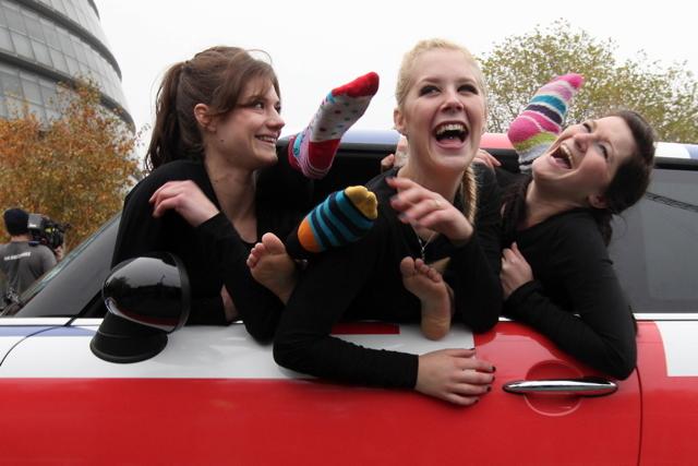 Record du Monde : 28 gymnastes dans une Mini