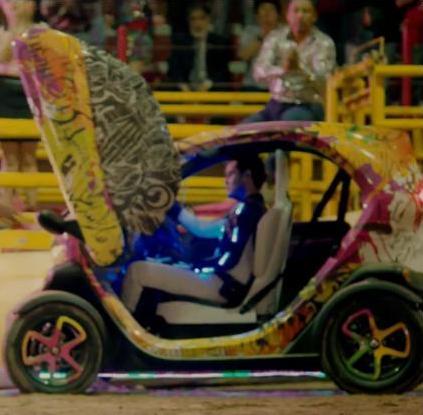 Renault Twizy clip David Guetta Play Hard