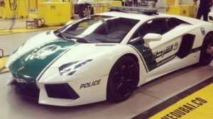 Lamborghini Aventador voiture police dubai 2013