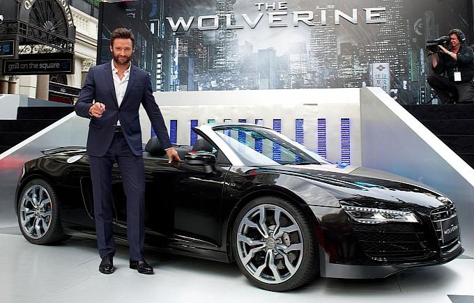 Hugh Jackman alias Wolverine aux cotés de sa Audi R8