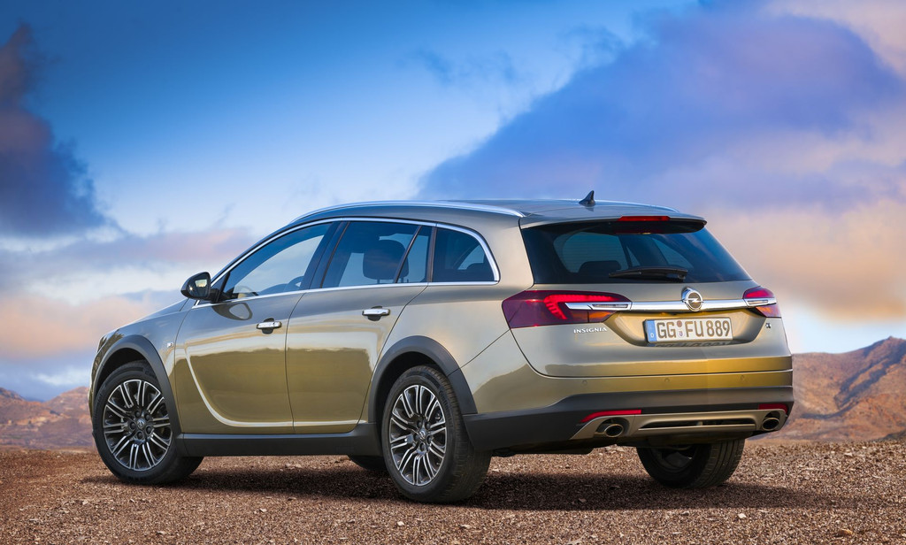 Opel Insignia Country Tourer 2013 : Vue arrière