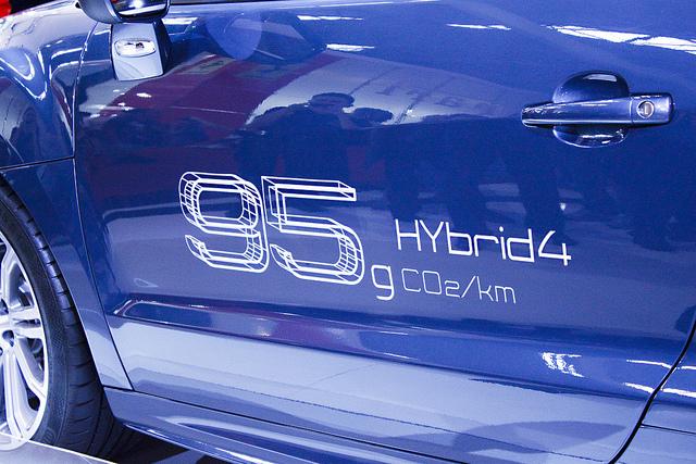 Peugeot RCZ Hybrid 4