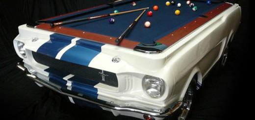 Une table de billard fabriquée avec une Mustang Shelby GT-530 de 1965