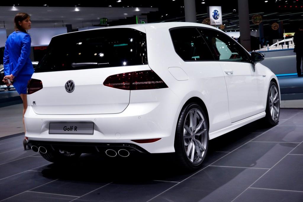 Volkswagen Golf R au Salon de Francfort 213