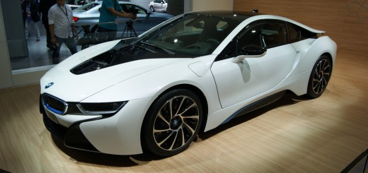 BMW i8 blanche à Francfort / Photo : HeadlineAuto