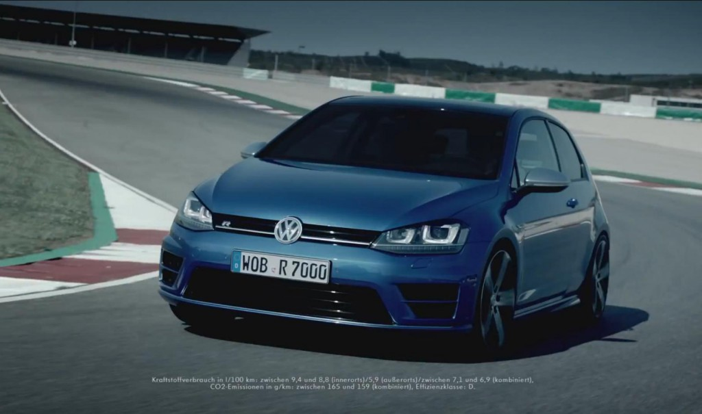 Publicité de la Golf 7 R 2013