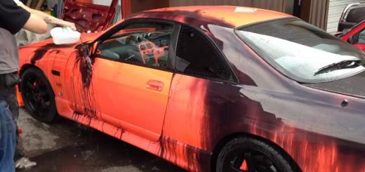 Nissan Skyline R33 qui change de couleur
