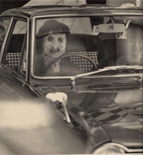 Photo vintage d'une personne costumée pour Halloween