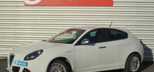 Alfa Romeo Giulietta Distinctive Stop and Start vue avant gauche