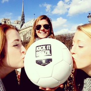 bisou au ballon Kick it to brazil
