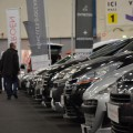 March� automobile d?octobre 2014 : l?occasion rigole, le neuf pleure