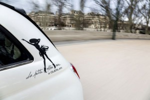 idées cadeaux fete des meres Fiat 500 la petite robe noire Guerlain
