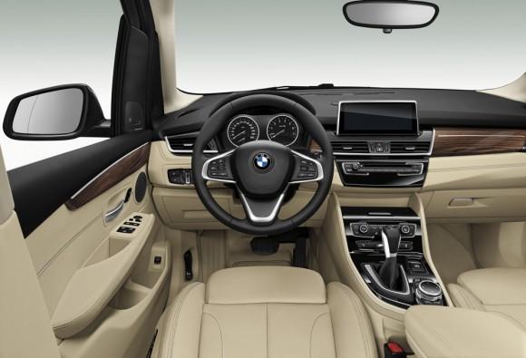 Côté conducteur BMW Série 2 Active Tourer