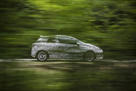 La nouvelle Opel Corsa 2014 camouflée encore en phase de validation