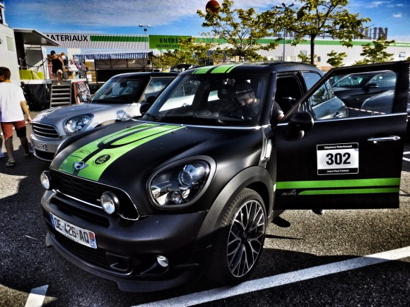 Peinture mate de la Mini John Cooper Works Countryman ALL4 Dakar Winner 2013