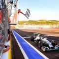 Grand Prix de Russie : Hamilton s?impose en patron, Mercedes d�croche le titre constructeurs