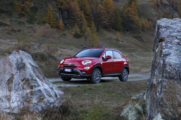 Fiat 500X 4X4 vue trois quart avant