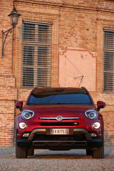 Fiat 500X 4X4 face avant phares calandre