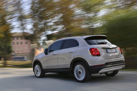 Fiat-500X-urbain arriere trois quart