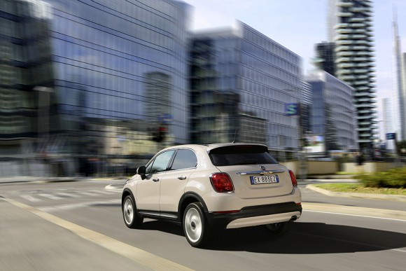 Fiat-500X-urbain vue arriere