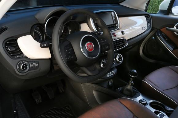 Fiat 500X volant cockpit