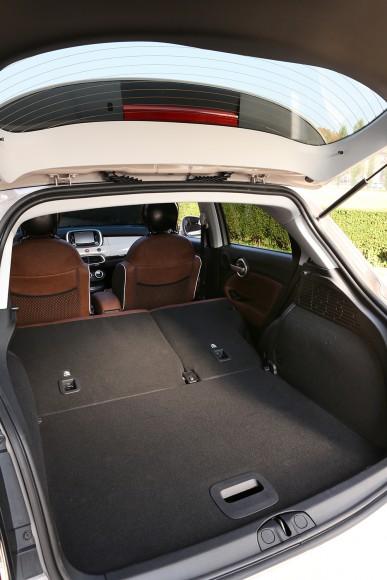 Fiat 500X coffre siege rabattus