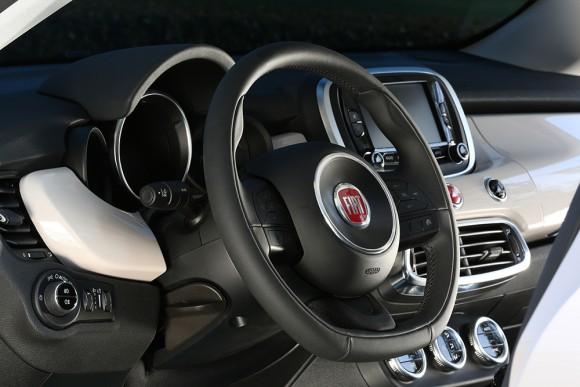 Fiat 500X volant
