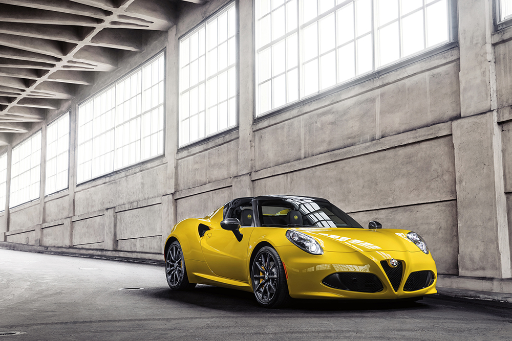 alfa romeo 4c spider officielle photos vid o et infos techniques. Black Bedroom Furniture Sets. Home Design Ideas