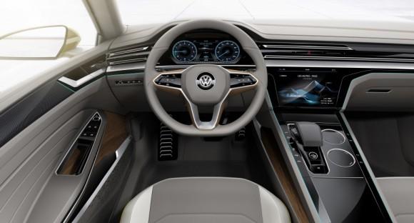 volant commandes Volkswagen Sports Coupe concept Geneve 2015 (5)