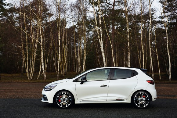 Renault Clio RS 220 EDC Trophy (12)
