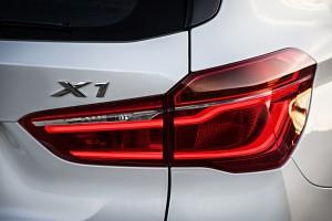 BMW X1 2015 feu arriere