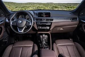 BMW X1 2015 poste conduite