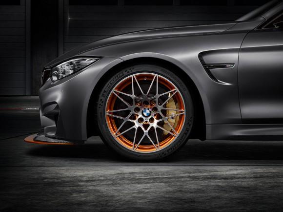 jante avant etrier de frein BMW M4 GTS concept